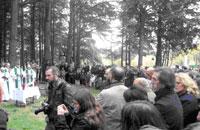 Misa de campaña en la puerta del Valle de los Caídos